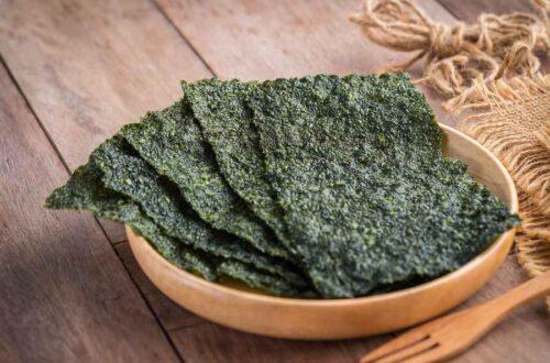 Sprødt Tørret Nori Sushi Tang På Træplade