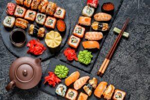 Kød Vs Vegansk Sushi