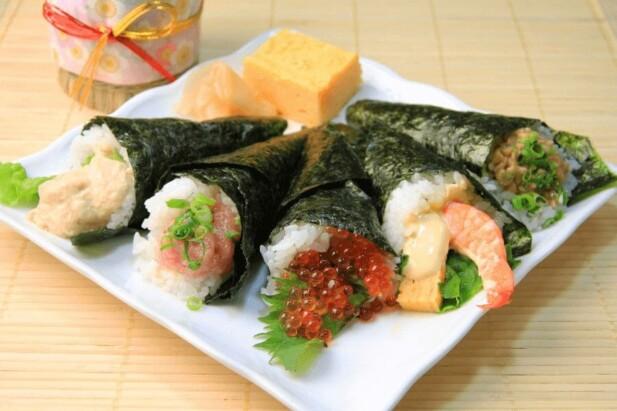 håndrulle-sushi-ruller